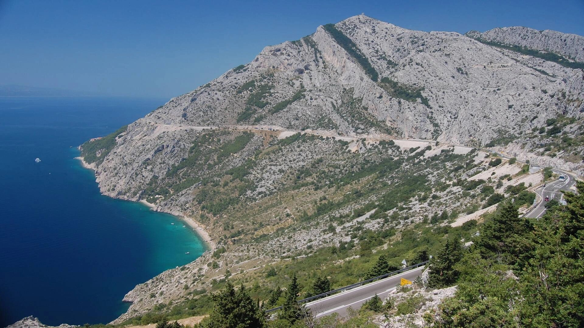 Two easy ways to travel from Dubrovnik to Split