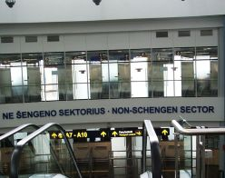 760px-Non-Schengen_sector_at_Vilnius_airport