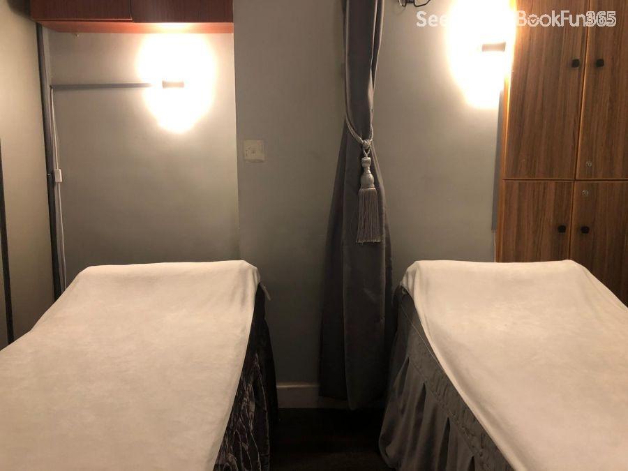 Foot Reflexology 足沐 - Hong Kong Island Massage , - BookFun provide a fastest & lowest price on 1,000 massage, nail, facial & Salon, BBQ ...