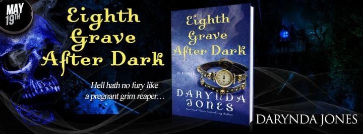 #Giveaway Interview DARYNDA JONES and HellHounds #EighthGrave @Darynda  @StMartinsPress