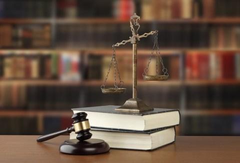 オンラインカジノは違法か合法か