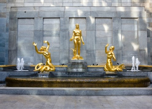Golden Palace 3 Statue