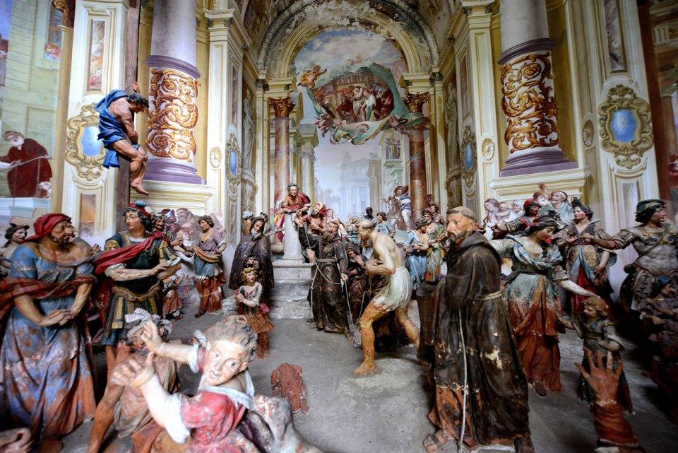Una delle cappelle dedicata alla vita di San Francesco d'Assisi, a Orta