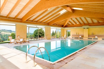 swimmingpool hotel montemarino