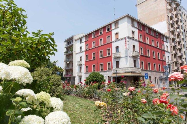 HOTEL 1 (1)
