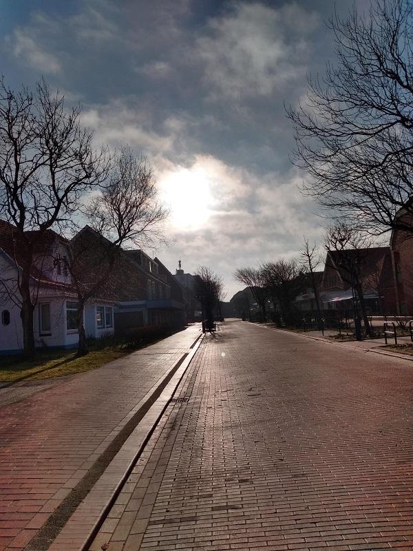 Langeoog - menschenleere Straße