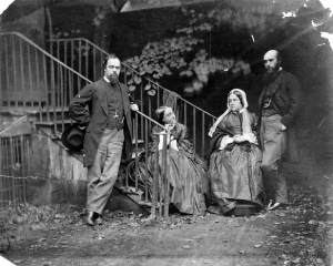 cr2 The_Rossetti_Family_by_Lewis_Carroll_(Charles_Lutwidge_Dodgson)