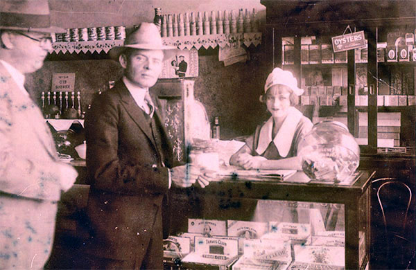 Bonnie Parker during her waitressing days. (courtesy of Buddy Barrow)