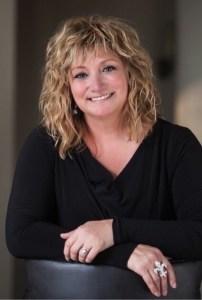 IMG 9350 202x300 Authors Dish Thanksgiving with Tina DeSalvo