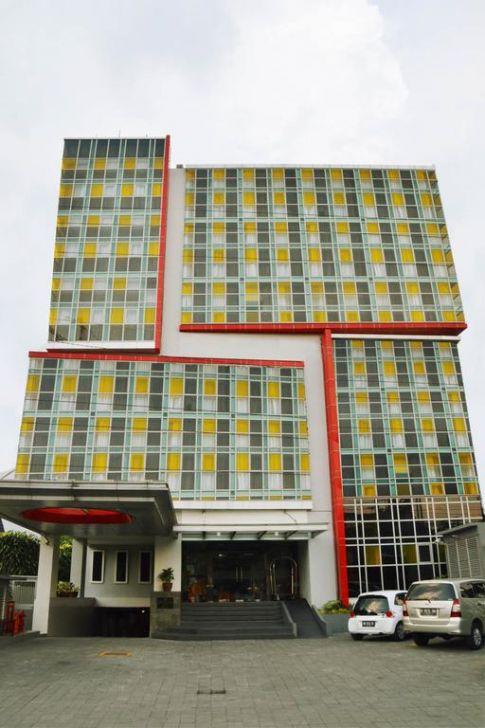 Atrium Premiere Hotel