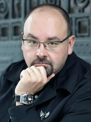Carlos Ruiz Zafon (Author)