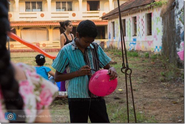 Aldona_Reading_in_the_Park_Bookworm-Goa-Nijugrapher-images-by-Niju_Mohan-28-untitled-DSC_7768