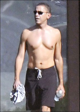 obama-shirtless-hawaii-12-081