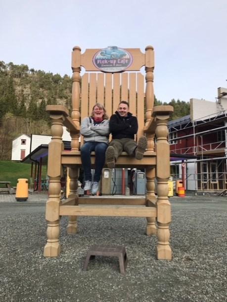 027a High Chair