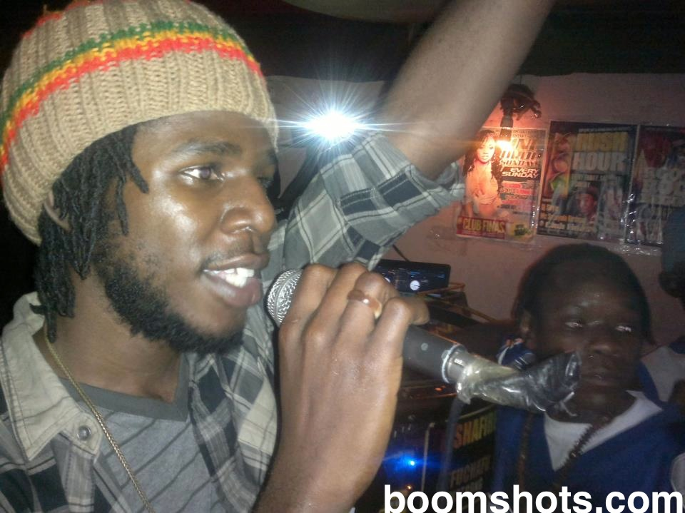 Chronixx-Live-In-Club-Finas