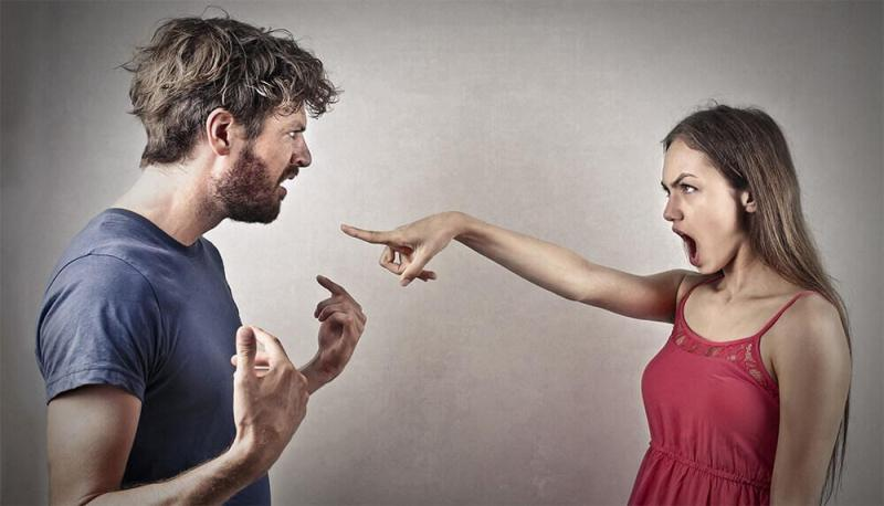 finger pointing couple