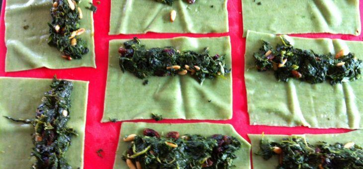 Canelons verds farcits d´espinacs amb beixamel de Gorgonzola