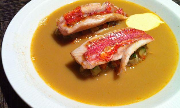 Molls amb verdures i sopa de peix de roca