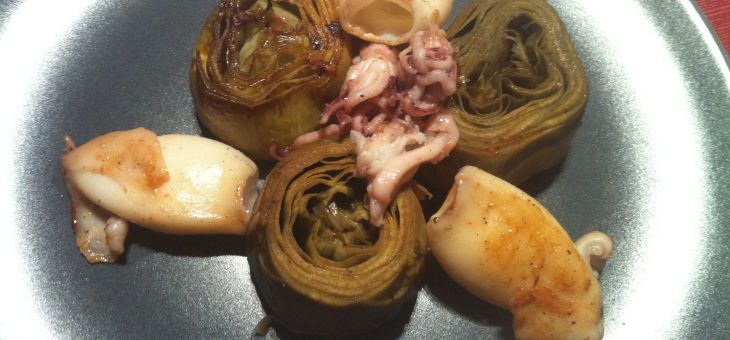 Cors de carxofa amb calamarçons