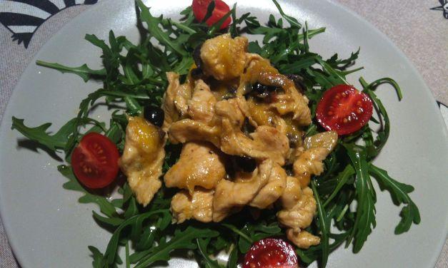 Pit de pollastre confitat amb mango i olives negres
