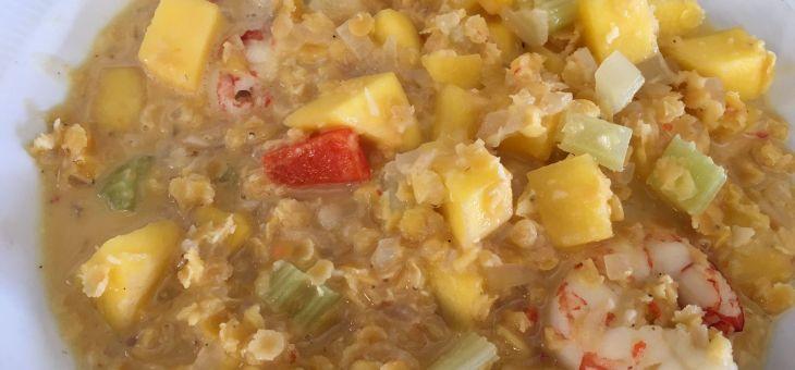 Curry de mango amb llenties i gambes
