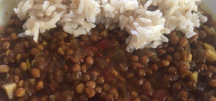 Curri de llegums amb arròs
