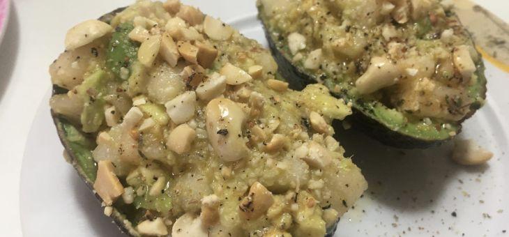 Amanida d´alvocat, pera i cacahuet