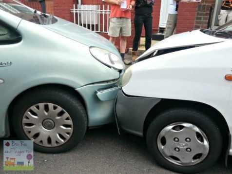 Car Crash - White into Green