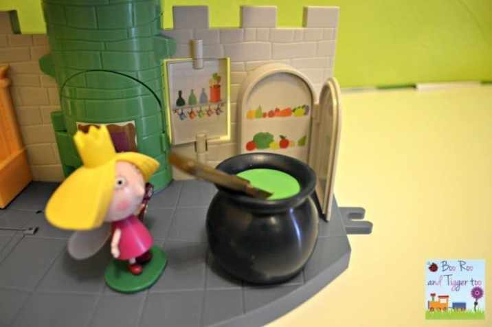 Ben and Holly Thistle Castle Playset - Cauldron Fridge Open