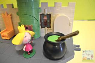 Ben and Holly Thistle Castle Playset - Cauldron King Thistle