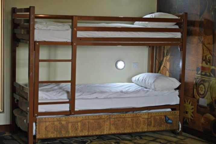 Chessington World of Adventures - Azteca Hotel Temple Treasure bunkbeds