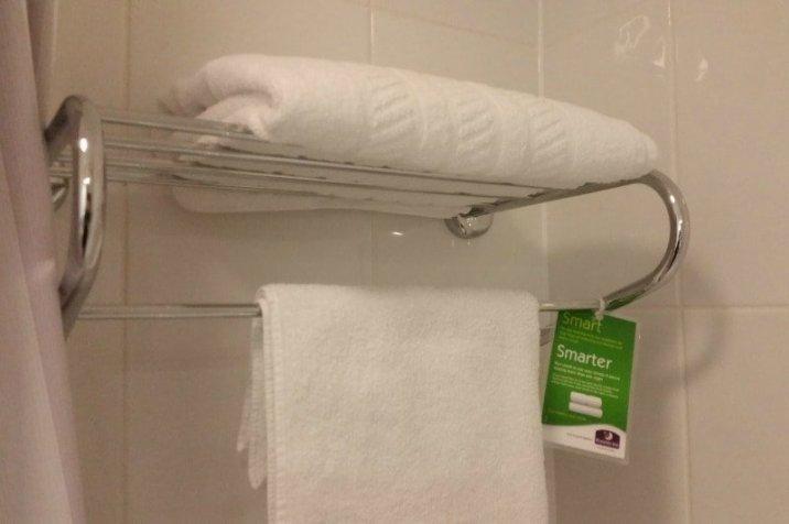 Warwick Premier Inn - Towels