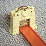 Hot Wheels Track Builder Volcano Blast - Treasure smash stunt