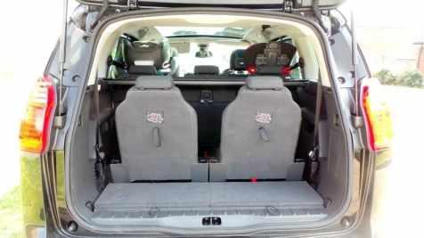 Peugeot 5008 - Both rear seats up