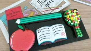 Biscuiteers thanks teacher biscuit tin - Layer 4