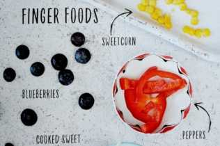 baby-at-the-table-finger-foods