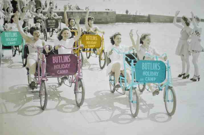 butlins-minehead-seaside-apartment-bicycle-pitcure