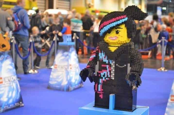 bricklive-2016-lego-dimensions-wyldstyle