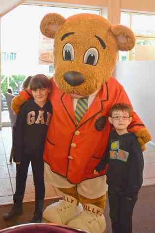 butlins-just-for-tots-billy-character-breakfast