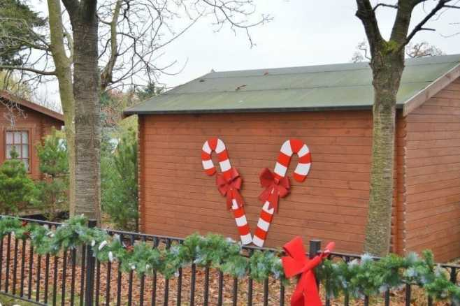 chessington-winters-tail-father-christmas-grotto