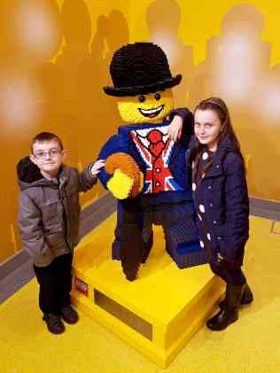 lego-store-leicester-square-lester-with-tigger-and-roo