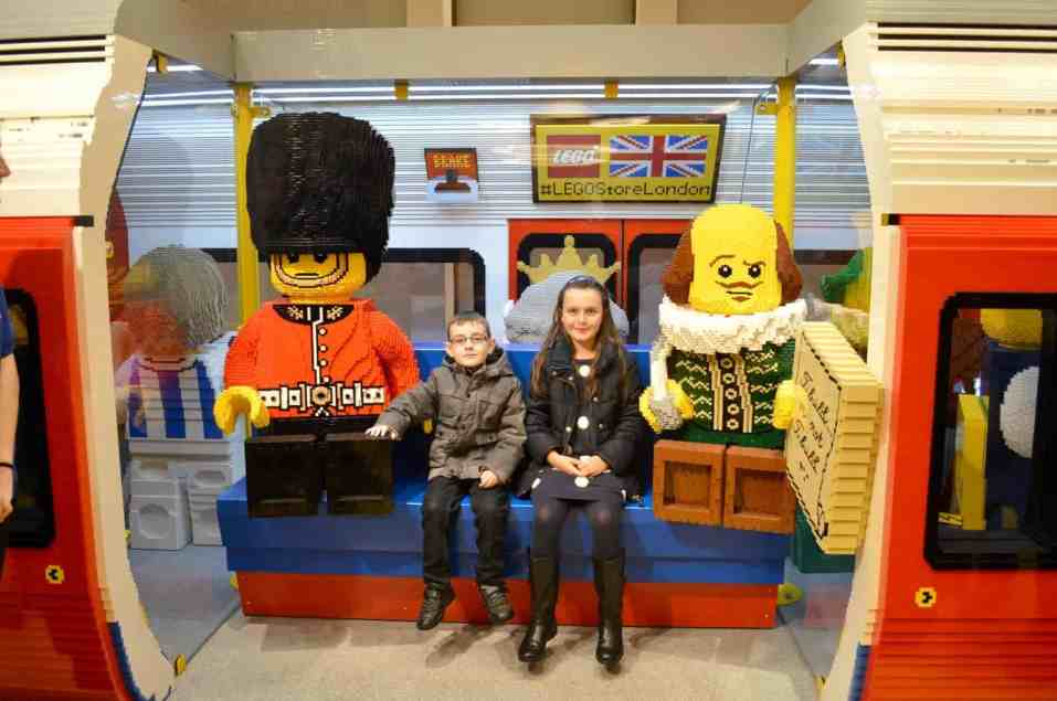 lego-store-london-tube-tigger-and-roo