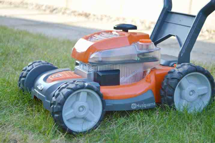 Husqvarna Toy Walk Lawn Mower Boo Roo And Tigger Too