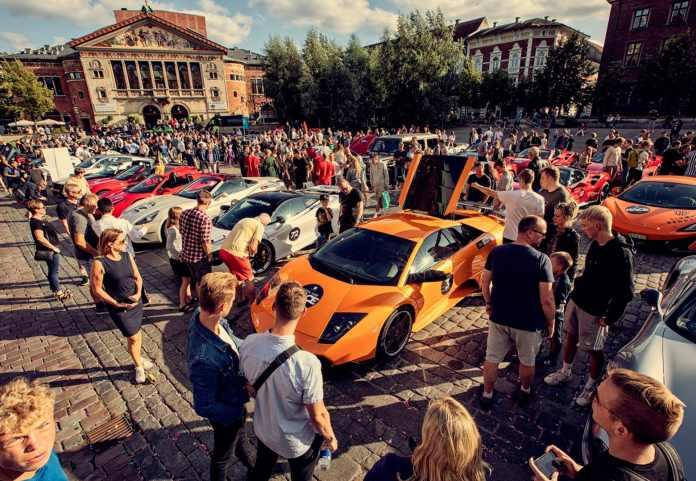 Den 24. september går starten på en af landets største private velgørenhedsindsamlinger - Cool Car Race. Bilerne starter i Odense, kører til Aarhus og ender i Aalborg