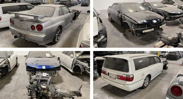 De amerikanske myndigheder har bortauktioneret en række japanske biler, som var importeret til landet ulovligt.