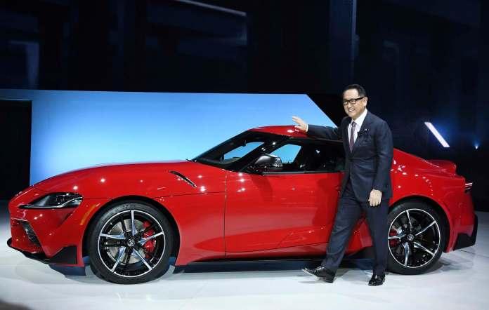 Hvis alle nye biler skal være elbiler, vil 5,5 millioner mennesker miste deres job i den japanske bilindustri.