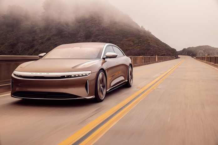 Ifølge den amerikanske EPA-standard kan elbilen Lucid Air kører 1.000 kilometer på én opladning. Dermed slår bilen Teslas rækkevidde med 185 kilometer.