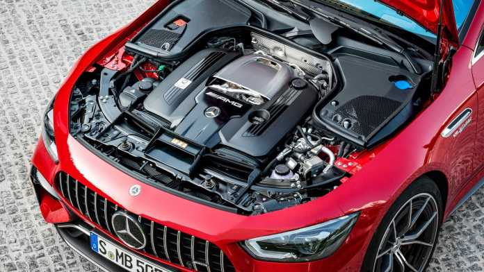 Mercedes-AMG producerer V8-motorer til nye biler i mindst ti år endnu