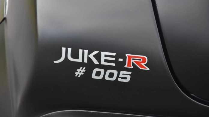 Okay, vi skal regne i euro. Men en Nissan Juke med GT-R-motor får du bestemt ikke gratis.Den femte og sidste bil er lige nu til salg for, hvad der svarer til 1,8 millioner danske kroner