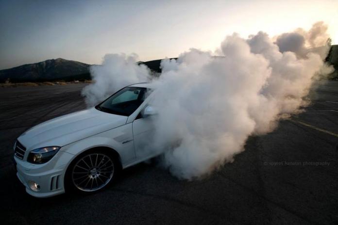Lige nu kalder Mercedes sine elbiler for EQ. Det navn dropper tyskerne dog snart. Også selvom alle mærkets biler bliver elektriske. Næsten da.